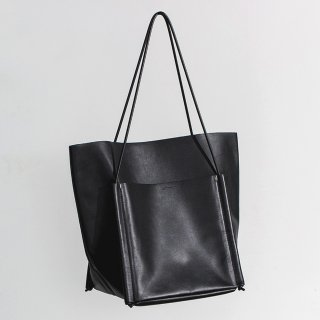 BUILDING BLOCK<br>Pocket Tote ZIP in Black