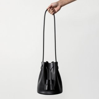 BUILDING BLOCK<br>Mini Bucket in Black<img class='new_mark_img2' src='https://img.shop-pro.jp/img/new/icons53.gif' style='border:none;display:inline;margin:0px;padding:0px;width:auto;' />