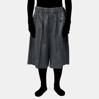 VOAAOV<br>wool pin-tuck wide shorts