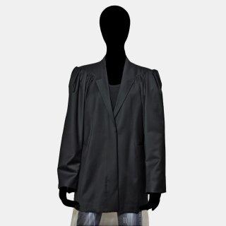 AKIKO AOKI<br>puffy jacket<img class='new_mark_img2' src='https://img.shop-pro.jp/img/new/icons2.gif' style='border:none;display:inline;margin:0px;padding:0px;width:auto;' />