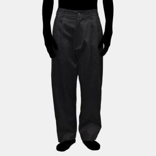 VOAAOV<br> cotton chino tuck pants<img class='new_mark_img2' src='https://img.shop-pro.jp/img/new/icons2.gif' style='border:none;display:inline;margin:0px;padding:0px;width:auto;' />