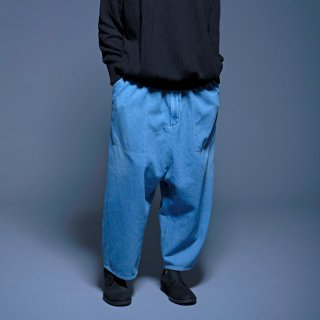 yoko sakamoto<br>BAGGY TROUSERS (DENIM)<img class='new_mark_img2' src='https://img.shop-pro.jp/img/new/icons2.gif' style='border:none;display:inline;margin:0px;padding:0px;width:auto;' />