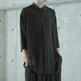 ohta<br>dark green wide shirts<img class='new_mark_img2' src='https://img.shop-pro.jp/img/new/icons2.gif' style='border:none;display:inline;margin:0px;padding:0px;width:auto;' />