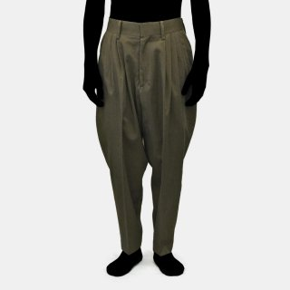 yoko sakamoto<br>5TUCK SUIT PANTS<img class='new_mark_img2' src='https://img.shop-pro.jp/img/new/icons2.gif' style='border:none;display:inline;margin:0px;padding:0px;width:auto;' />