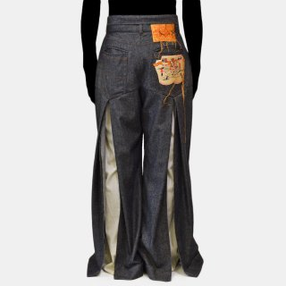 Re:quaL≡<br>Denim Slit Slacks<img class='new_mark_img2' src='https://img.shop-pro.jp/img/new/icons2.gif' style='border:none;display:inline;margin:0px;padding:0px;width:auto;' />