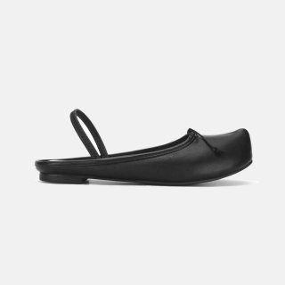 FLAT APRTMENT<br>Pointed toe sabot