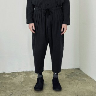 YOKO SAKAMOTO<br>5TUCK TAPERD TROUSERS<img class='new_mark_img2' src='https://img.shop-pro.jp/img/new/icons2.gif' style='border:none;display:inline;margin:0px;padding:0px;width:auto;' />