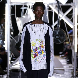 BOTTER<br>PRINTED PLEATED TOP L/S<img class='new_mark_img2' src='https://img.shop-pro.jp/img/new/icons2.gif' style='border:none;display:inline;margin:0px;padding:0px;width:auto;' />