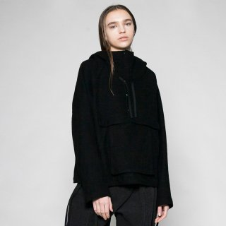VOAAOV<br>compressed wool jersey anorak<img class='new_mark_img2' src='https://img.shop-pro.jp/img/new/icons2.gif' style='border:none;display:inline;margin:0px;padding:0px;width:auto;' />