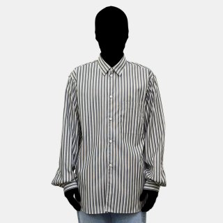 STUDIO NICHOLSON<br>OVERSIZED POINT COLLAR SHIRT (STRIPE)<img class='new_mark_img2' src='https://img.shop-pro.jp/img/new/icons2.gif' style='border:none;display:inline;margin:0px;padding:0px;width:auto;' />