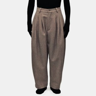 HED MAYNER<br>8 PLEAT PANTS<img class='new_mark_img2' src='https://img.shop-pro.jp/img/new/icons20.gif' style='border:none;display:inline;margin:0px;padding:0px;width:auto;' />