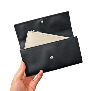 PB0110<br>CM 28 Wallet<br>Black<img class='new_mark_img2' src='https://img.shop-pro.jp/img/new/icons2.gif' style='border:none;display:inline;margin:0px;padding:0px;width:auto;' />