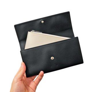 PB0110<br>CM 28 Wallet<br>Black