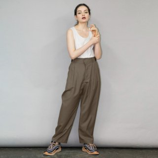 my beautiful landlet<br>TECH WOOL TUCK PANTS<img class='new_mark_img2' src='https://img.shop-pro.jp/img/new/icons2.gif' style='border:none;display:inline;margin:0px;padding:0px;width:auto;' />