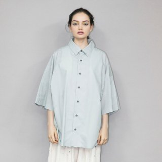 my beautiful landlet<br>LOOSE DRESS SHORT SLEEVE SHIRT<img class='new_mark_img2' src='https://img.shop-pro.jp/img/new/icons2.gif' style='border:none;display:inline;margin:0px;padding:0px;width:auto;' />