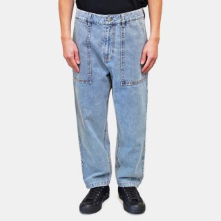 FFIXXED STUDIOS<br>OFFING JEANS<img class='new_mark_img2' src='https://img.shop-pro.jp/img/new/icons2.gif' style='border:none;display:inline;margin:0px;padding:0px;width:auto;' />