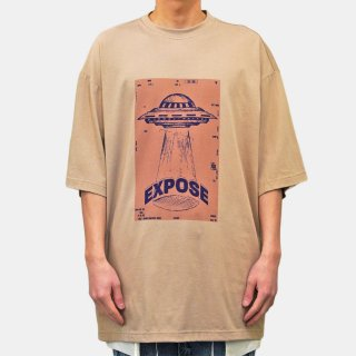 Dhruv Kapoor<br>EXPOSE MEGA T-SHIRT<img class='new_mark_img2' src='https://img.shop-pro.jp/img/new/icons2.gif' style='border:none;display:inline;margin:0px;padding:0px;width:auto;' />