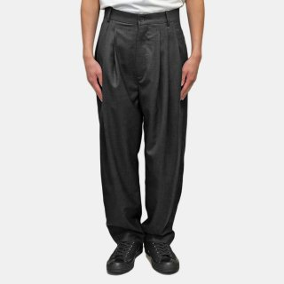 HED MAYNER<br>4 PLEAT PANT GREY<img class='new_mark_img2' src='https://img.shop-pro.jp/img/new/icons2.gif' style='border:none;display:inline;margin:0px;padding:0px;width:auto;' />