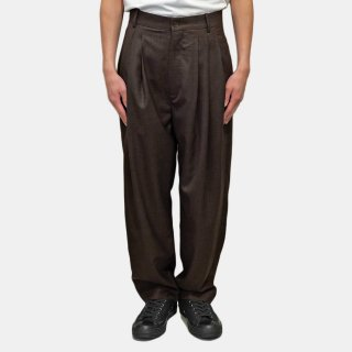HED MAYNER<br>4 PLEAT PANT BROWN<img class='new_mark_img2' src='https://img.shop-pro.jp/img/new/icons2.gif' style='border:none;display:inline;margin:0px;padding:0px;width:auto;' />
