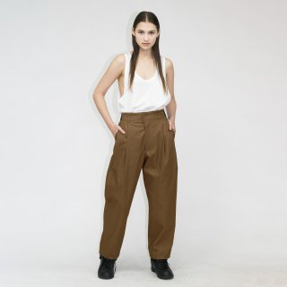 my beautiful landlet<br>HIGH DENSITY GABA TUCK PANTS<img class='new_mark_img2' src='https://img.shop-pro.jp/img/new/icons2.gif' style='border:none;display:inline;margin:0px;padding:0px;width:auto;' />