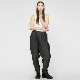 my beautiful landlet<br>WOOL LINEN TAPERED PANTS<img class='new_mark_img2' src='https://img.shop-pro.jp/img/new/icons2.gif' style='border:none;display:inline;margin:0px;padding:0px;width:auto;' />
