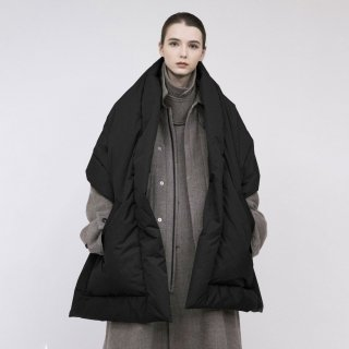 VOAAOV<br>Nylon High Density Cloth BIG down stole<img class='new_mark_img2' src='https://img.shop-pro.jp/img/new/icons2.gif' style='border:none;display:inline;margin:0px;padding:0px;width:auto;' />