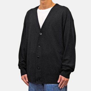 ATON<br>MAT WOOL OVERSIZED CARDIGAN<img class='new_mark_img2' src='https://img.shop-pro.jp/img/new/icons2.gif' style='border:none;display:inline;margin:0px;padding:0px;width:auto;' />