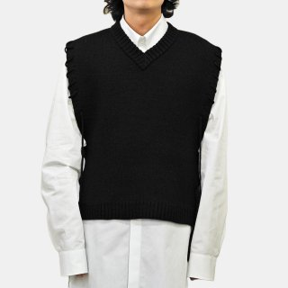 CRAIG GREEN<br>V-NECK LACED VEST<img class='new_mark_img2' src='https://img.shop-pro.jp/img/new/icons2.gif' style='border:none;display:inline;margin:0px;padding:0px;width:auto;' />