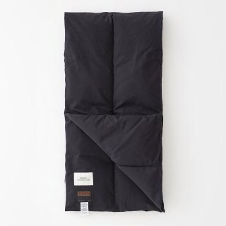 STUDIO NICHOLSON<br>ECODOWN TECH COTTON PADDED SCARF<img class='new_mark_img2' src='https://img.shop-pro.jp/img/new/icons2.gif' style='border:none;display:inline;margin:0px;padding:0px;width:auto;' />