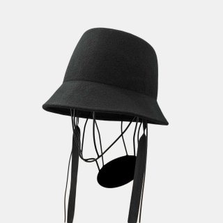 Nine Tailor<br>Alocasia Hat<img class='new_mark_img2' src='https://img.shop-pro.jp/img/new/icons2.gif' style='border:none;display:inline;margin:0px;padding:0px;width:auto;' />