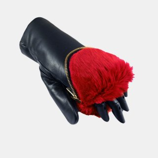 ARISTIDE<br>Rubbit Fur Mittens<img class='new_mark_img2' src='https://img.shop-pro.jp/img/new/icons2.gif' style='border:none;display:inline;margin:0px;padding:0px;width:auto;' />