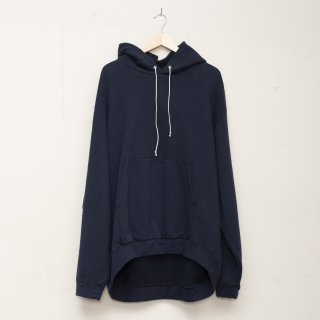 CAMIEL FORTGENS<br>Curved oversized hoodie<img class='new_mark_img2' src='https://img.shop-pro.jp/img/new/icons2.gif' style='border:none;display:inline;margin:0px;padding:0px;width:auto;' />