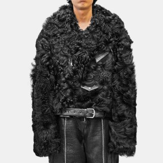 RED SEPTEMBER<br>Fur jacket made of shearling<img class='new_mark_img2' src='https://img.shop-pro.jp/img/new/icons2.gif' style='border:none;display:inline;margin:0px;padding:0px;width:auto;' />