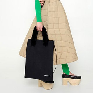 melitta baumeister<br>FLUFFY PAPER TOTE<img class='new_mark_img2' src='https://img.shop-pro.jp/img/new/icons2.gif' style='border:none;display:inline;margin:0px;padding:0px;width:auto;' />