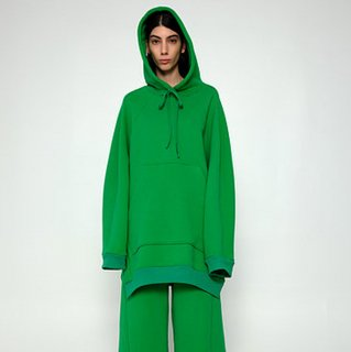 melitta baumeister<br>BIG HOODIE<img class='new_mark_img2' src='https://img.shop-pro.jp/img/new/icons2.gif' style='border:none;display:inline;margin:0px;padding:0px;width:auto;' />