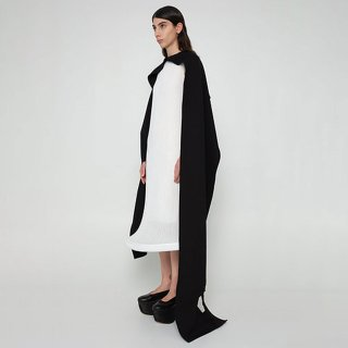 melitta baumeister<br>3 HOLE SCARF<img class='new_mark_img2' src='https://img.shop-pro.jp/img/new/icons2.gif' style='border:none;display:inline;margin:0px;padding:0px;width:auto;' />