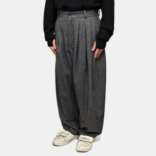 HED MAYNER<br>8 PLEAT PANT<img class='new_mark_img2' src='https://img.shop-pro.jp/img/new/icons2.gif' style='border:none;display:inline;margin:0px;padding:0px;width:auto;' />