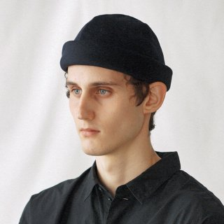 Nine Tailor<br>Cashmere Dome Cap<img class='new_mark_img2' src='https://img.shop-pro.jp/img/new/icons2.gif' style='border:none;display:inline;margin:0px;padding:0px;width:auto;' />