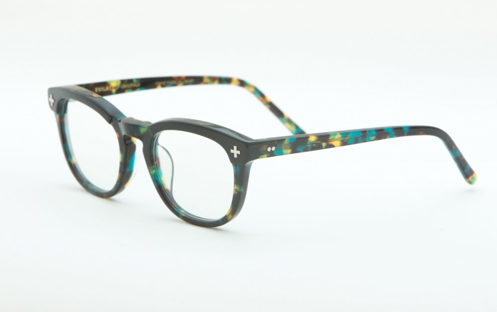 YALE � black×emerald havana frame / dimming lens