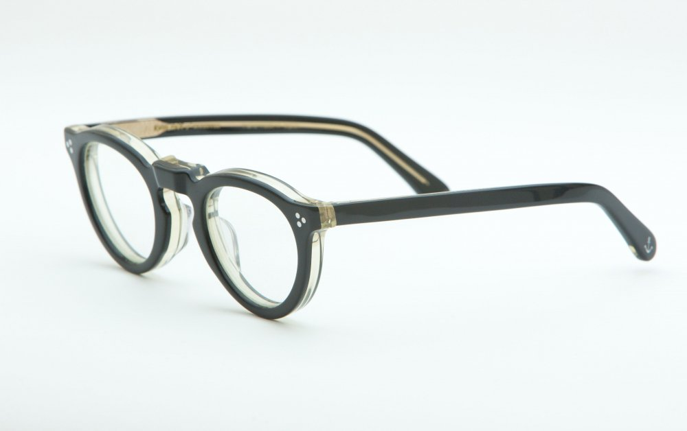 GREEVES black×antique clear frame / dimming lens