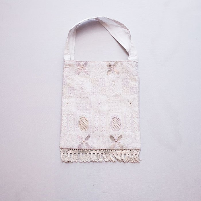 アンティパスト 刺繍スモールバッグ#ローホワイト