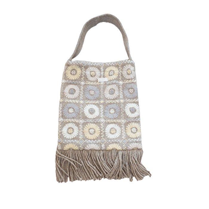 アンティパスト 刺繍スモールバッグ#アイボリー
