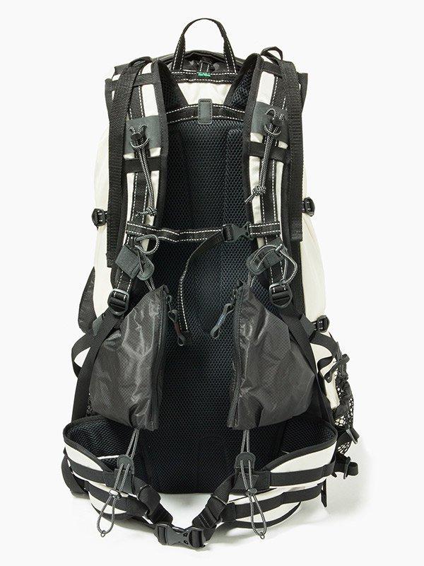 取り扱いブランド [ A ] 40L backpack