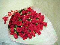 1本180円お好きな本数で・・・赤バラの花束