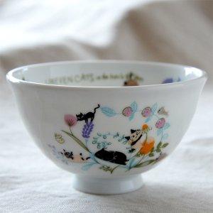 Shinzi Katoh シンジカトウ デザイン ハーブの草花でたたずむ仲良しの猫たちのイラストがかわいい<br>アニーブンキャッツ シリーズ UN お茶碗 Flower 日本製 Lサイズ