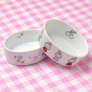ShinziKatoh 小花とウサギのイラストが可愛い楕円の形をした陶器