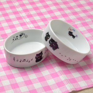 ShinziKatoh 黒猫のイラストが可愛い楕円の形をした陶器