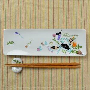 Shinzi Katoh シンジカトウ デザイン 草花の中で遊ぶ猫たちが可愛い 陶器の長皿<br>アニーブンキャッツ シリーズ UN アルファプレートFLOWER  日本製