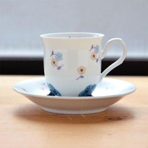 Shinzi katoh シンジカトウ デザイン <br>カップの三つ足の形状が珍しくて可愛い小花の花柄が可愛いデザイン <br>マシュクール シリーズ MAカップソーサー