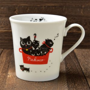 Shinzi katoh シンジカトウ デザイン 音楽好きな黒猫達のラストが可愛い<br> NEKOCOシリーズ NEマグカップA   美濃焼